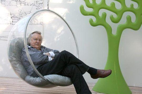Modern Classics The Eero Aarnio Bubble Chair Style