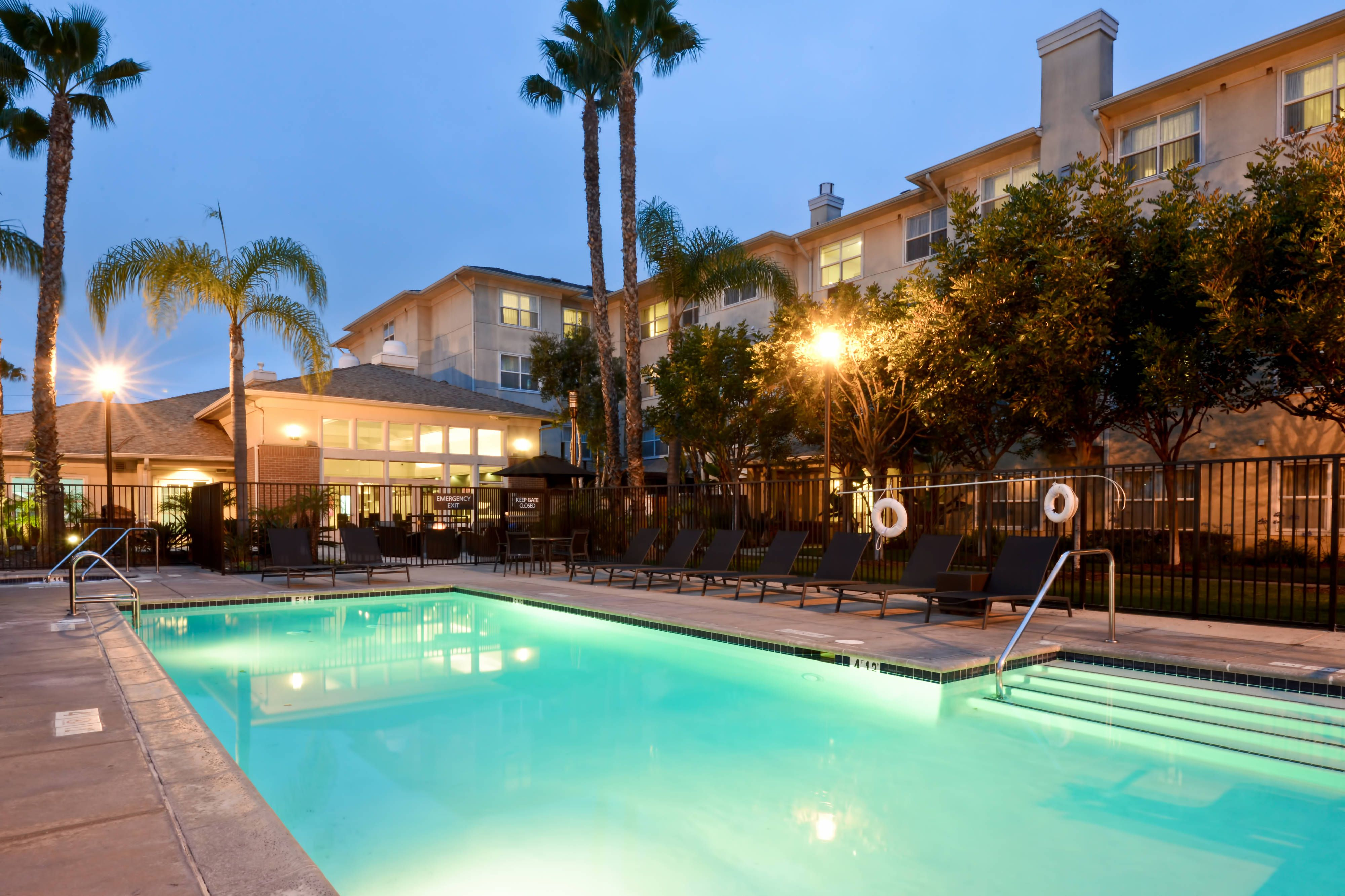 Residence Inn Los Angeles Lax El Segundo Outdoor Pool Comfort Rooms Holiday Vacation Books Corporate Apartments Vacation Rental