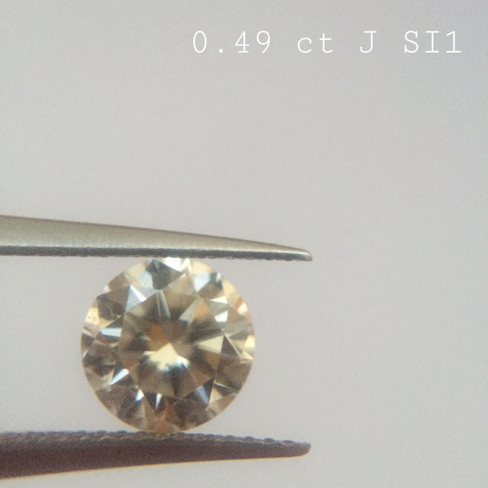 0.49 ct J color SI clarity Shape : Round Cut  Clarity : SI Color : White J Origin : Tanzania Treatment : Untreated 100% natural diamond The picture is in the same color & quality  This is nonrefundable item. This is for security issue. If you want certificate, we can send to IDL international labratory. That costs 100 dolar extra.  If you have any question, Or any spesific requirement, Or selection of any diamond lot, Just send an email : gemaddicted(at)gmail.com  Regards, Grand Bazaar…