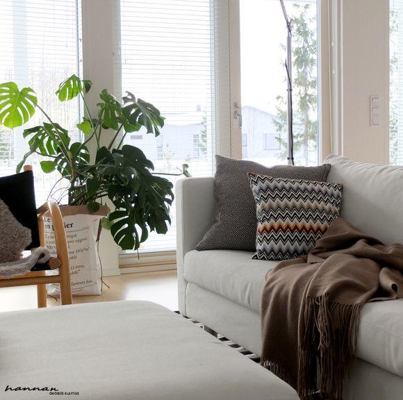 olohuone,valkoinen sohva,viherkasvit sisustuksessa,balmuir,missoni home