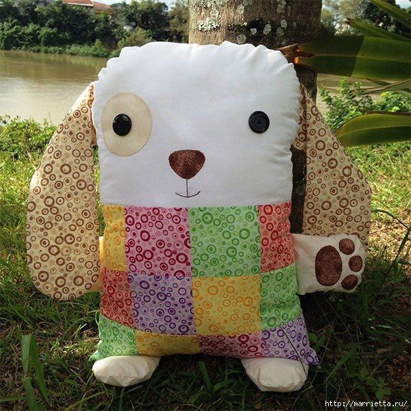 Cojín de perro con patrones | Patchwork, Ideas para and Monster dolls