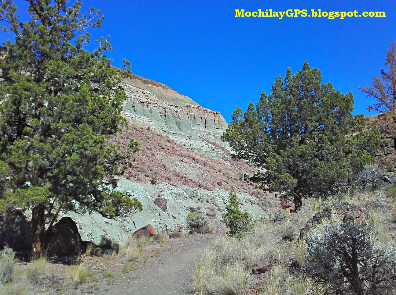 El Monumento Nacional John Day Fossil Beds , en el estado de Oregón, es un área protegida formada por tres zonas distintas (Painted Hills, ...