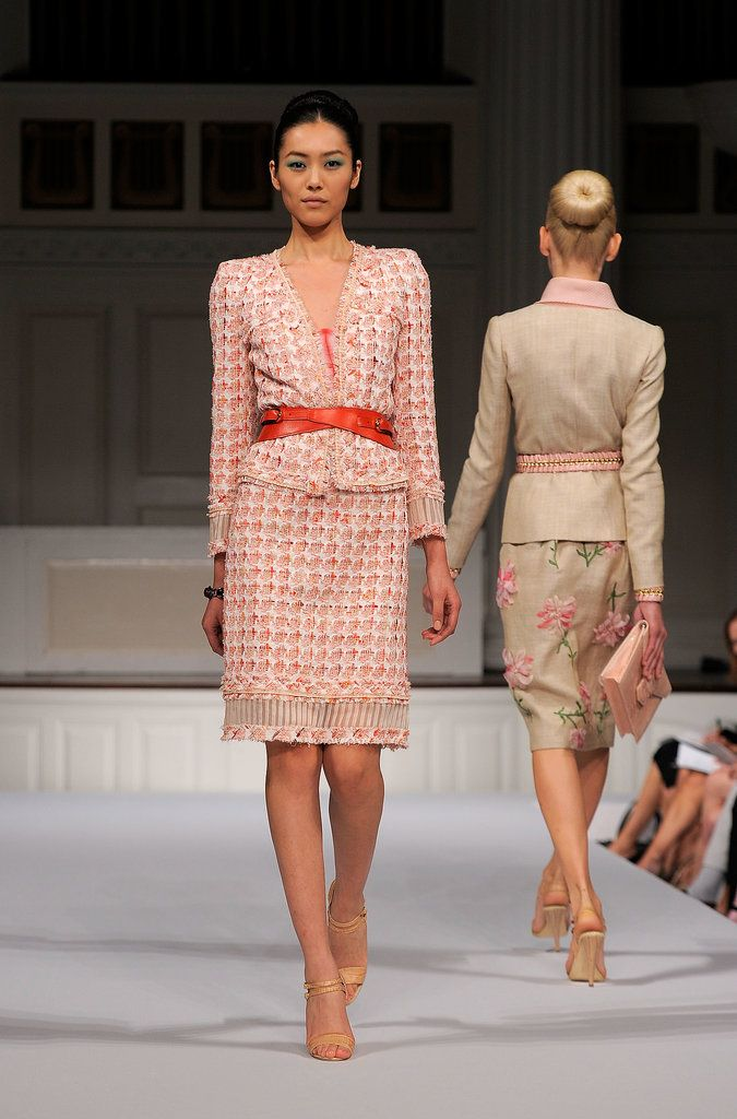 There Are No Designs as Whimsical and Awe-Inspiring as Oscar de la Renta's: There's something about Oscar de la Renta's clothing that brings out the very best in the women who wear it — and lots of famous ladies, from former Secretary of State Hillary Clinton to actress Lea Michelle, are among his devoted customers.