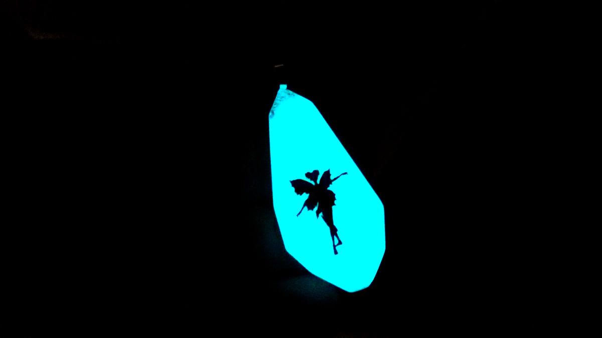 Collana pendente fatto a mano si illumina al buio, danza fata, fosforescente | Fatto a mano, Collane, Buio