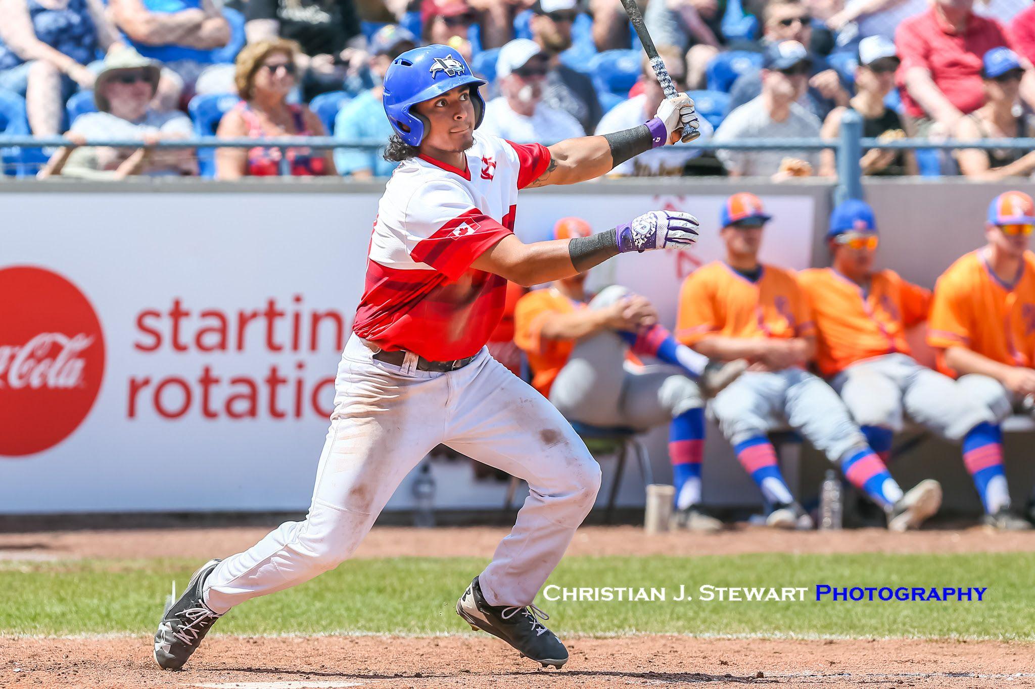 Lefties Late Long Ball Crushes Harbourcats Isn Lefty Crushes Baseball