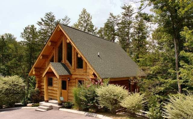 Bear Feet Lodge At Parkside #Gatlinburg #Cabin Rentals.2 Level/2 Bedrooms