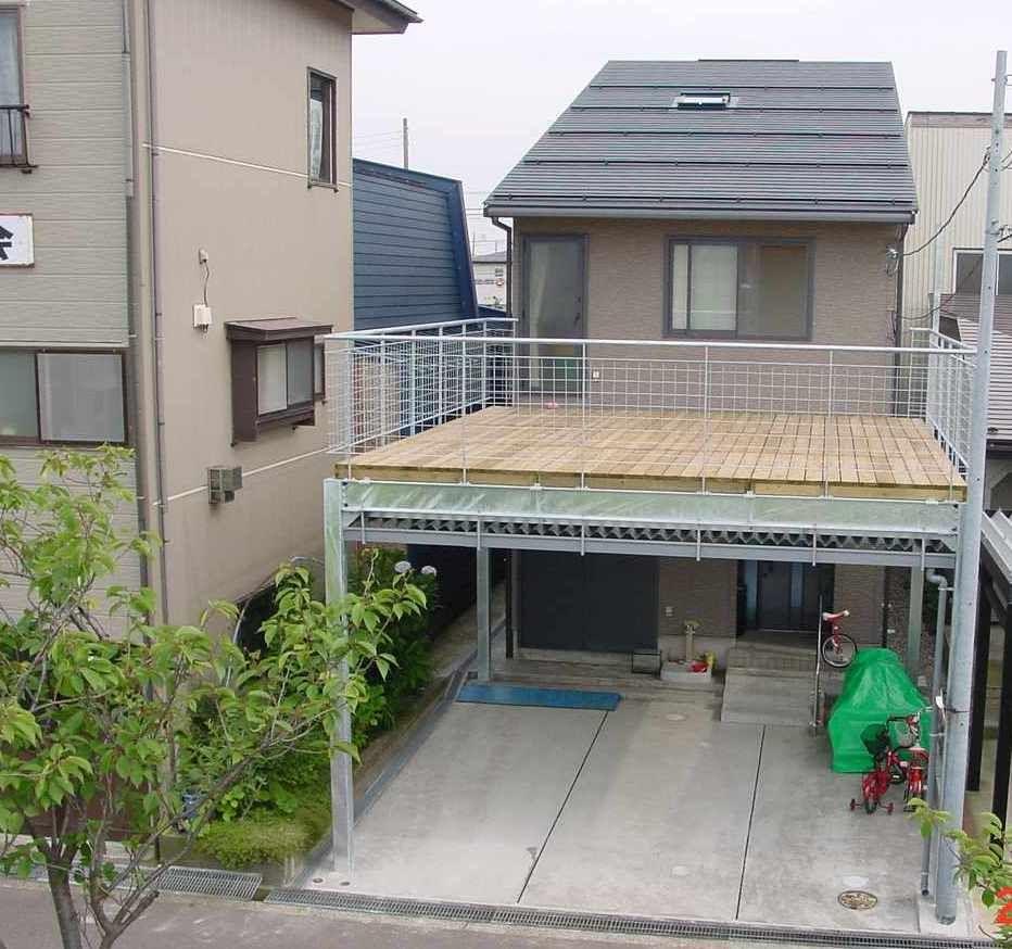 広いバルコニーのある家 切妻屋根 和室 マイホーム