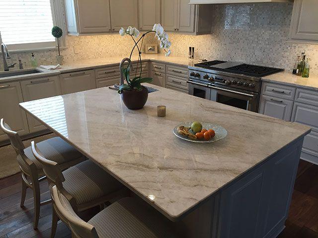 Pin von Luxury Countertops auf Kitchen island design | Pinterest ...