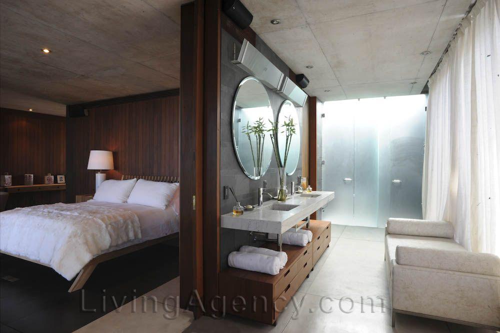 LivingAgency.com Houses from Uruguay Vilacacia O lavabo da suíte não fica entre quatro paredes