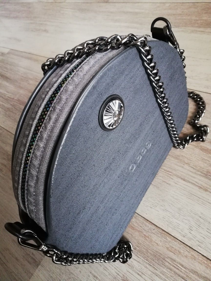 Obag Moon Light Graphite In Brush And Grey Lady In Grey Is Dancing With Me Today O Bag Bags Fashion Bags