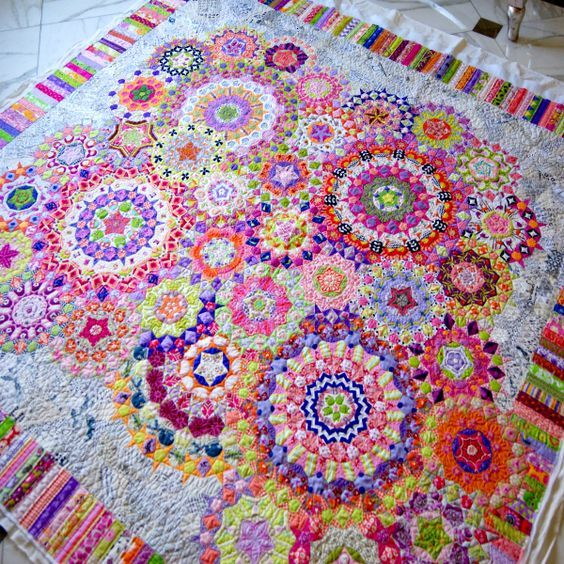 Complete View of my English Paper Piecing La Passacaglia Quilt Finished Top