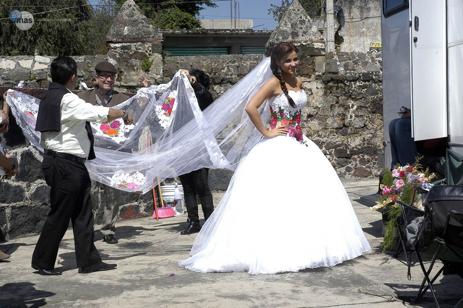 embroidered wedding dress from the mexican novela mi