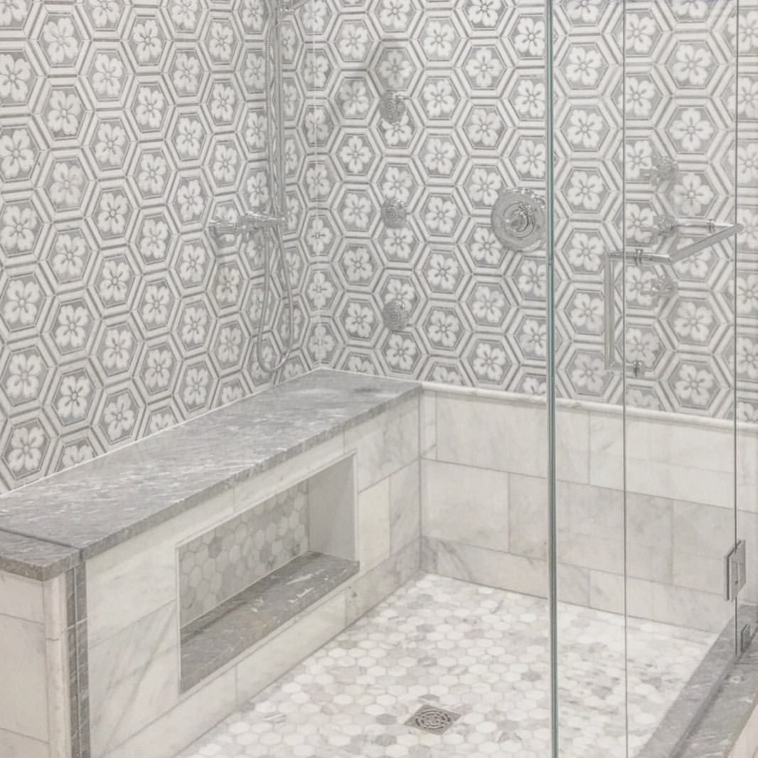 Best Small and Large Bathroom Tile Ideas with Photo Gallery ...