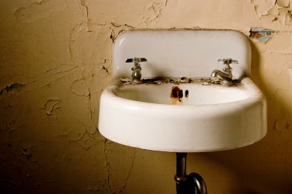 How do you Remove Rust Stains from Sink? Maid Services