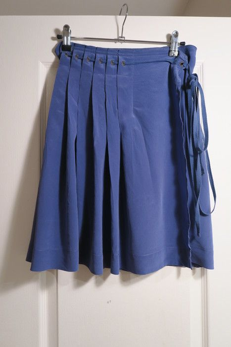 a415b3c8091f5a Très élégante #jupe #gerarddarel Bleue (velourse) Taille: S/M / FR ...