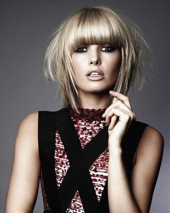 Medium Blonde Straight Coloured Multitonal Choppy Messy Healthy - Bob hairstyle definition