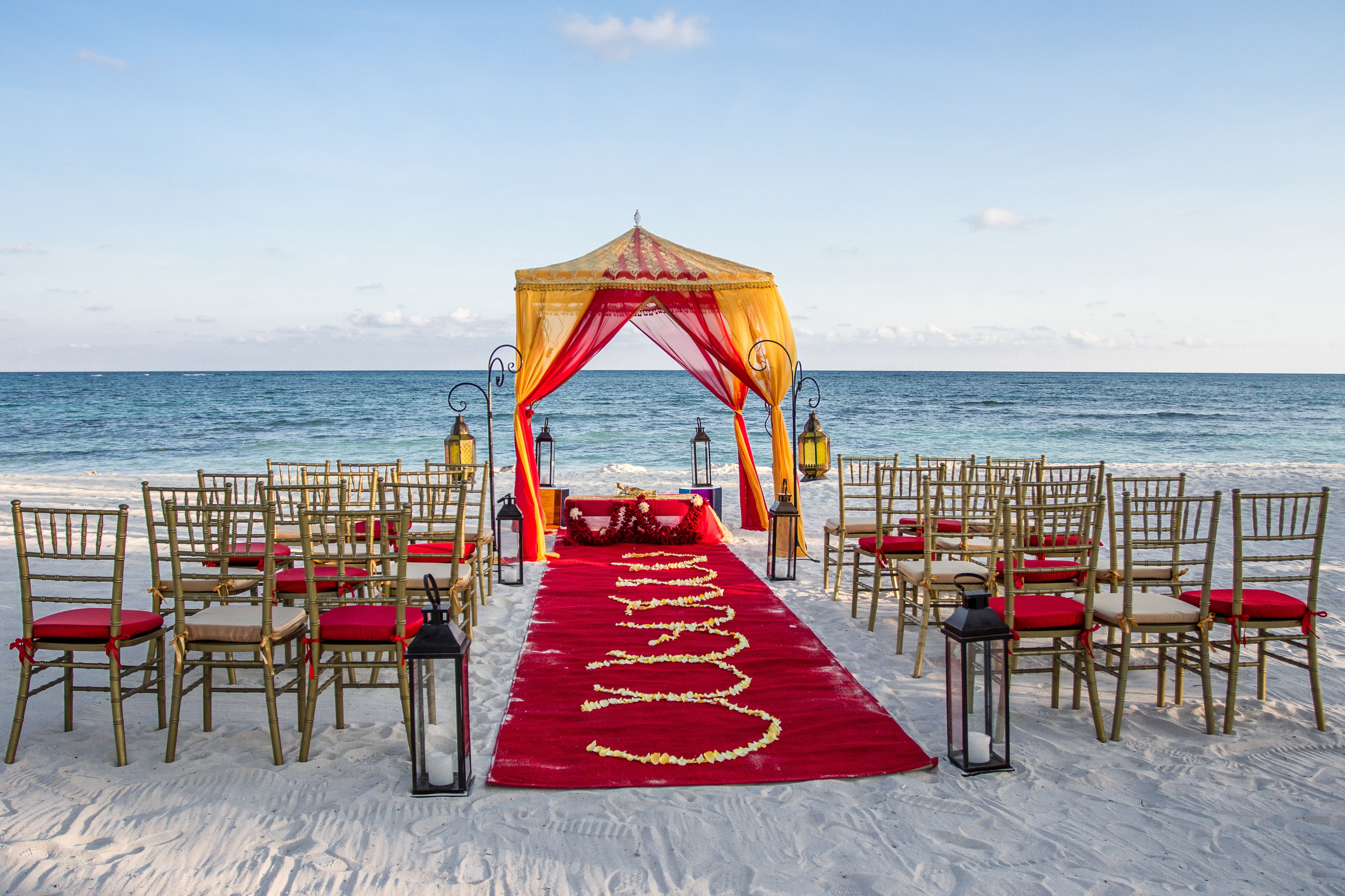 Colorful Indian Beach Wedding Setups Simple And Minimalist Design But Luxury
