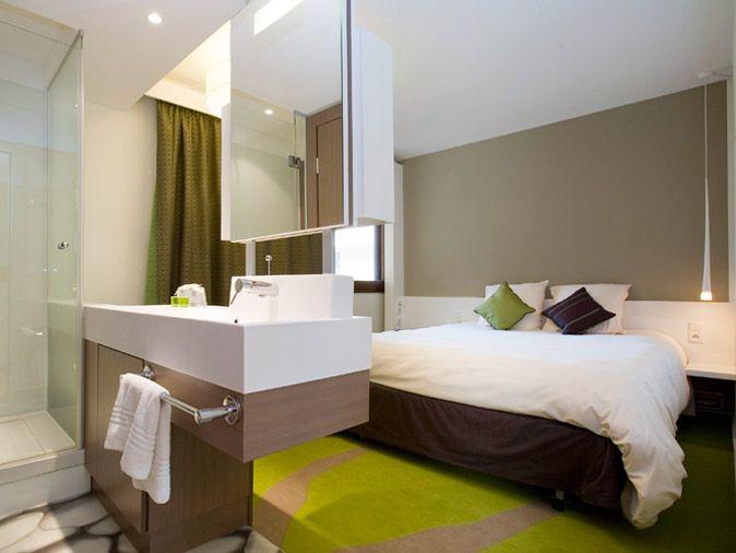 Ibis Styles Avec Douche Small Hotel Room Bedroom Hotel Room Design