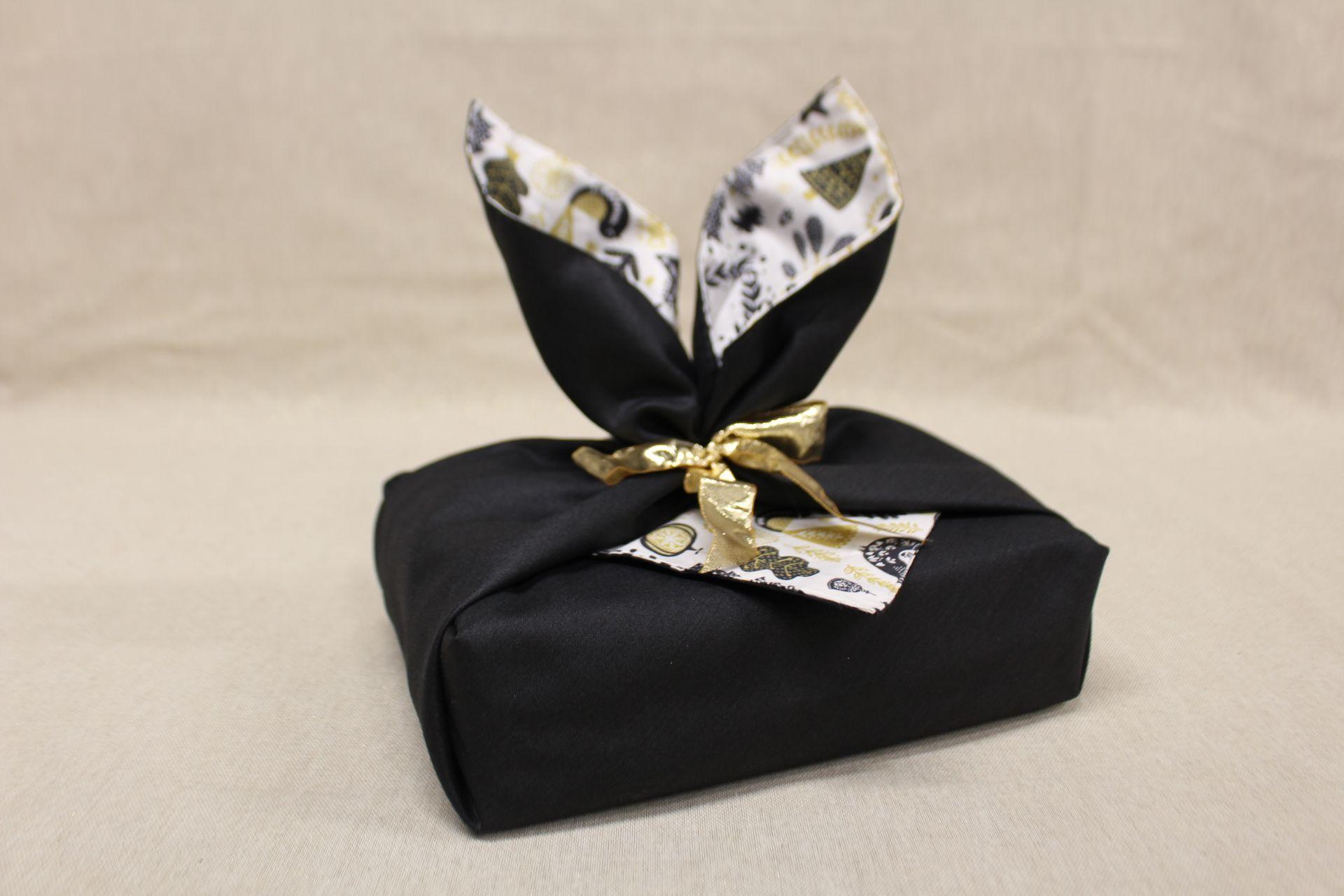 Mon emballage cadeau en tissu : le tuto Furoshiki (nouvelle version)