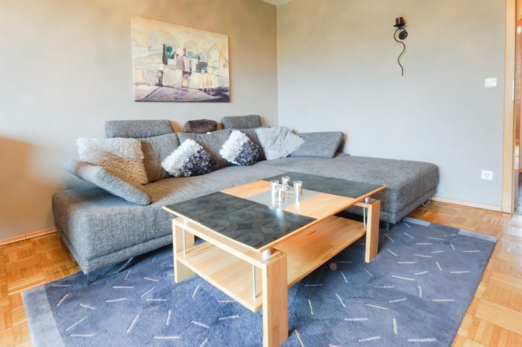 Ein gemütlich eingerichtetes Wohnzimmer Das Ecksofa ist ein Ort - gemtliche ecksofas