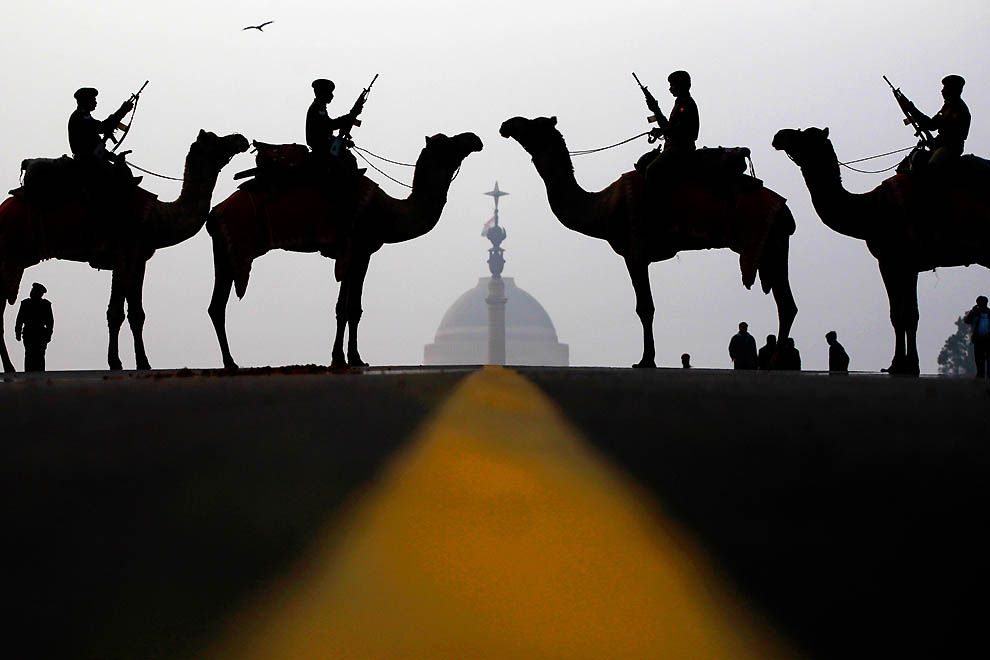 Soldiers of the Border Guards in front of the presidential palace in New Delhi, India (By Mahesh Kumar)