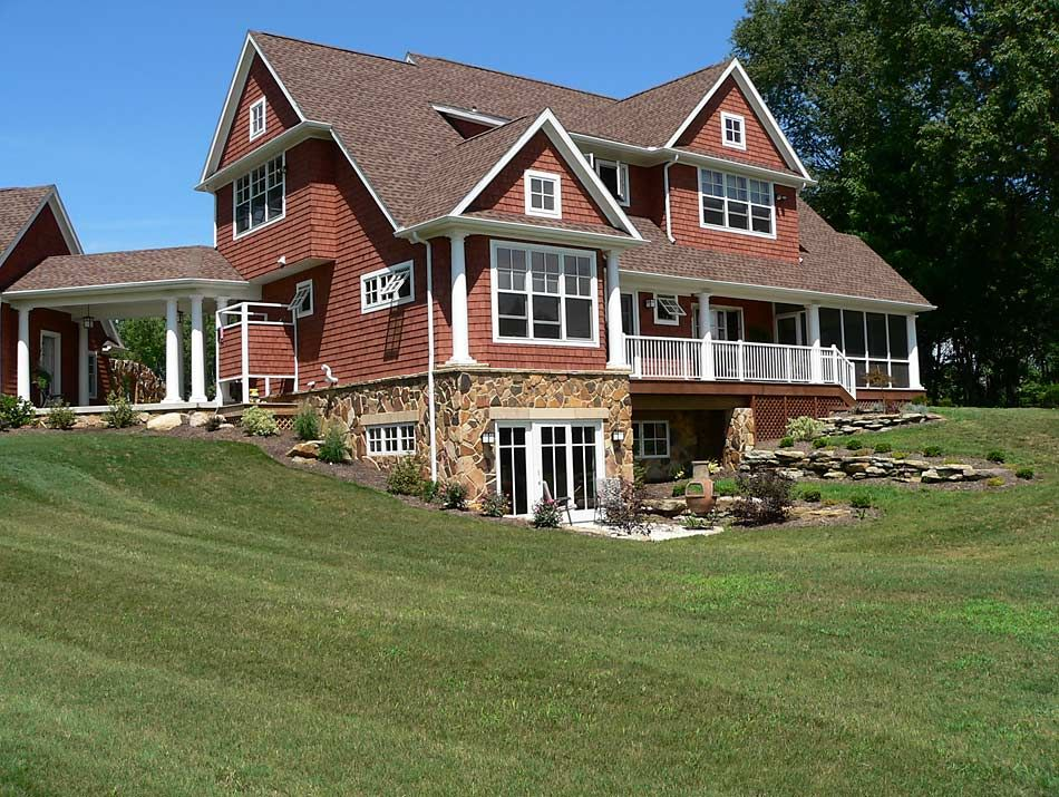 Love the walk out basement hill set up country cottage for Home plans with basement