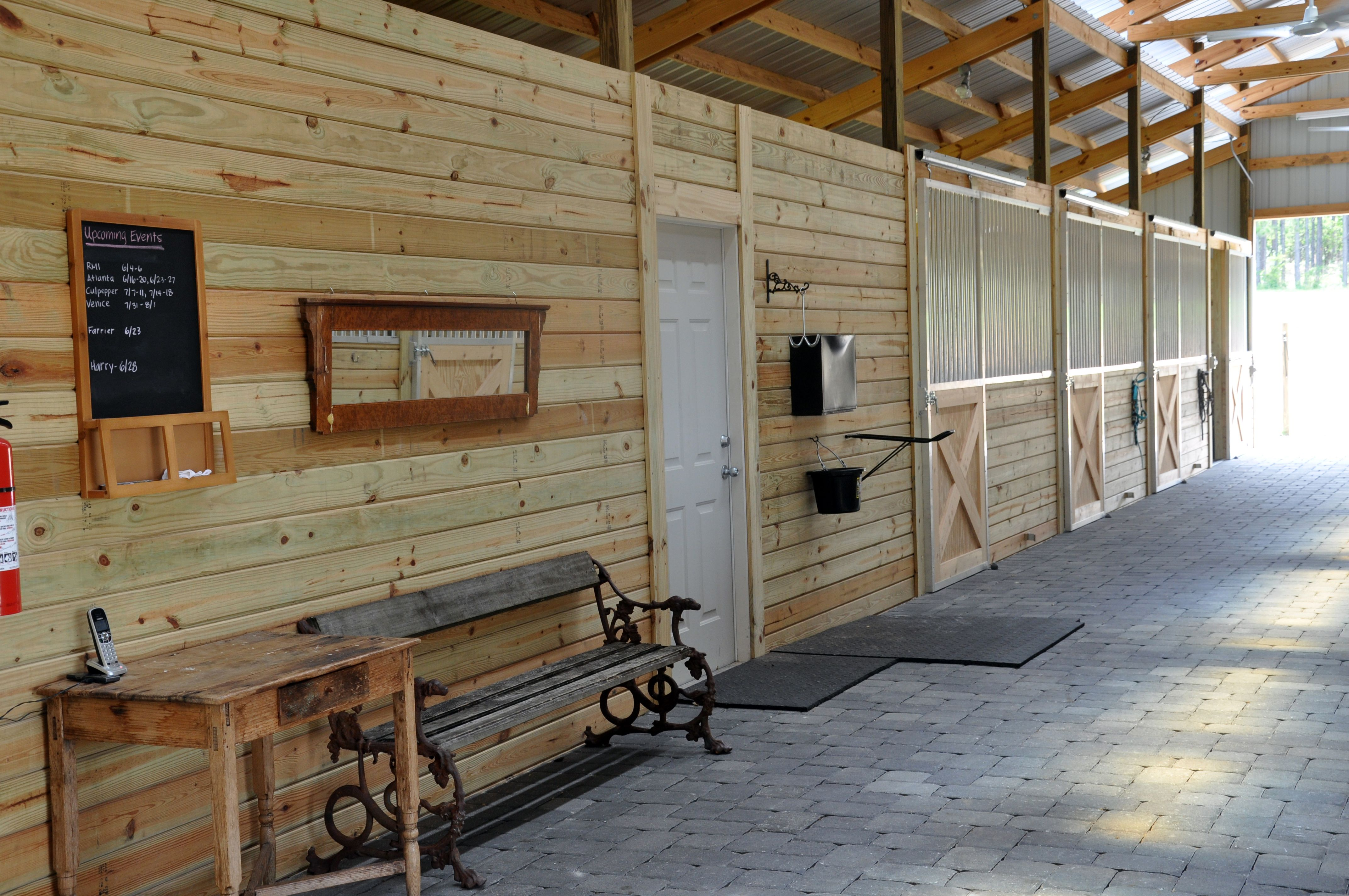 Ordinaire Clean, Wide Walkways And Stalls In The Barn