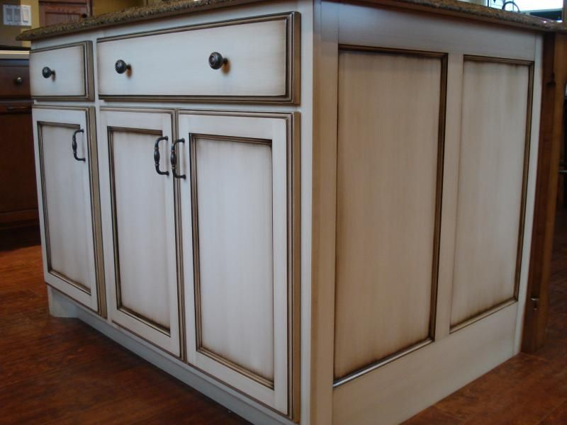 The Glazed Look: Crestwood Cabinetry Shown In: Painted Maple With Glaze,  Recessed Panel