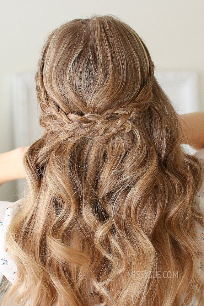Pin by Elizabeth Whelan on Prom hair in 2020 | Half up ...