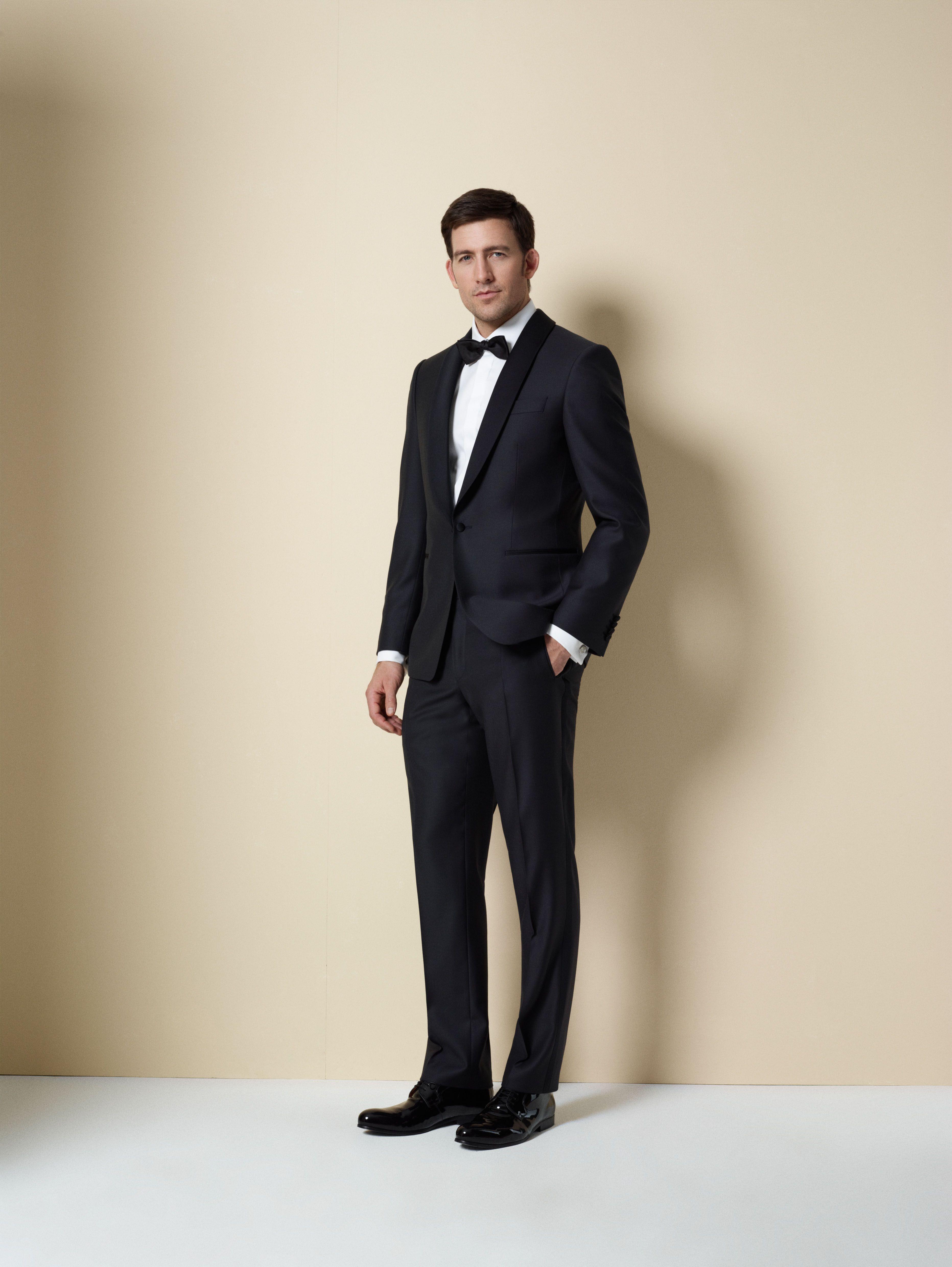 Nicht Nur Die Damen Machen Sich Am Wichtigsten Tag Ihres Lebens Besonders Chic Auch Die Herren Werfen Sich Ordentlich In Mens Formal Wear Men Formal Fashion