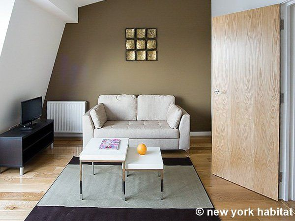 What better way to get to know London than with this furnished one bedroom apartment http://www.nyhabitat.com/london-apartment/furnished/1508