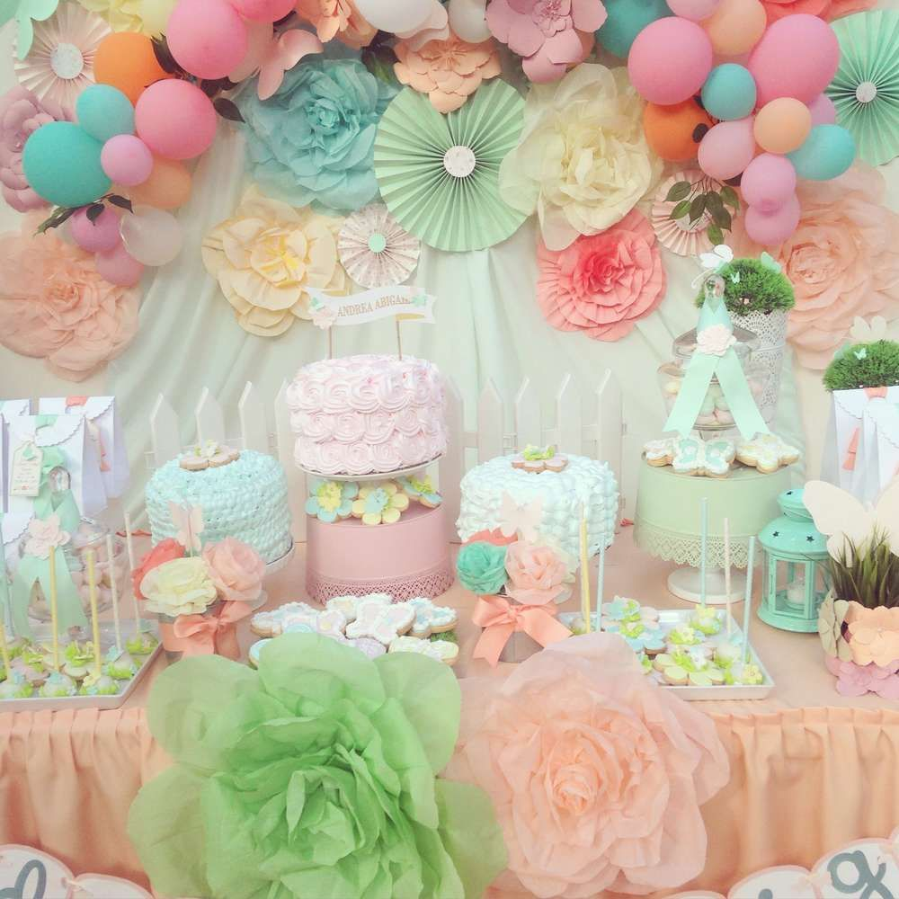 Fairy birthday party ideas fairy birthday party fairy for Baby shower flower decoration ideas