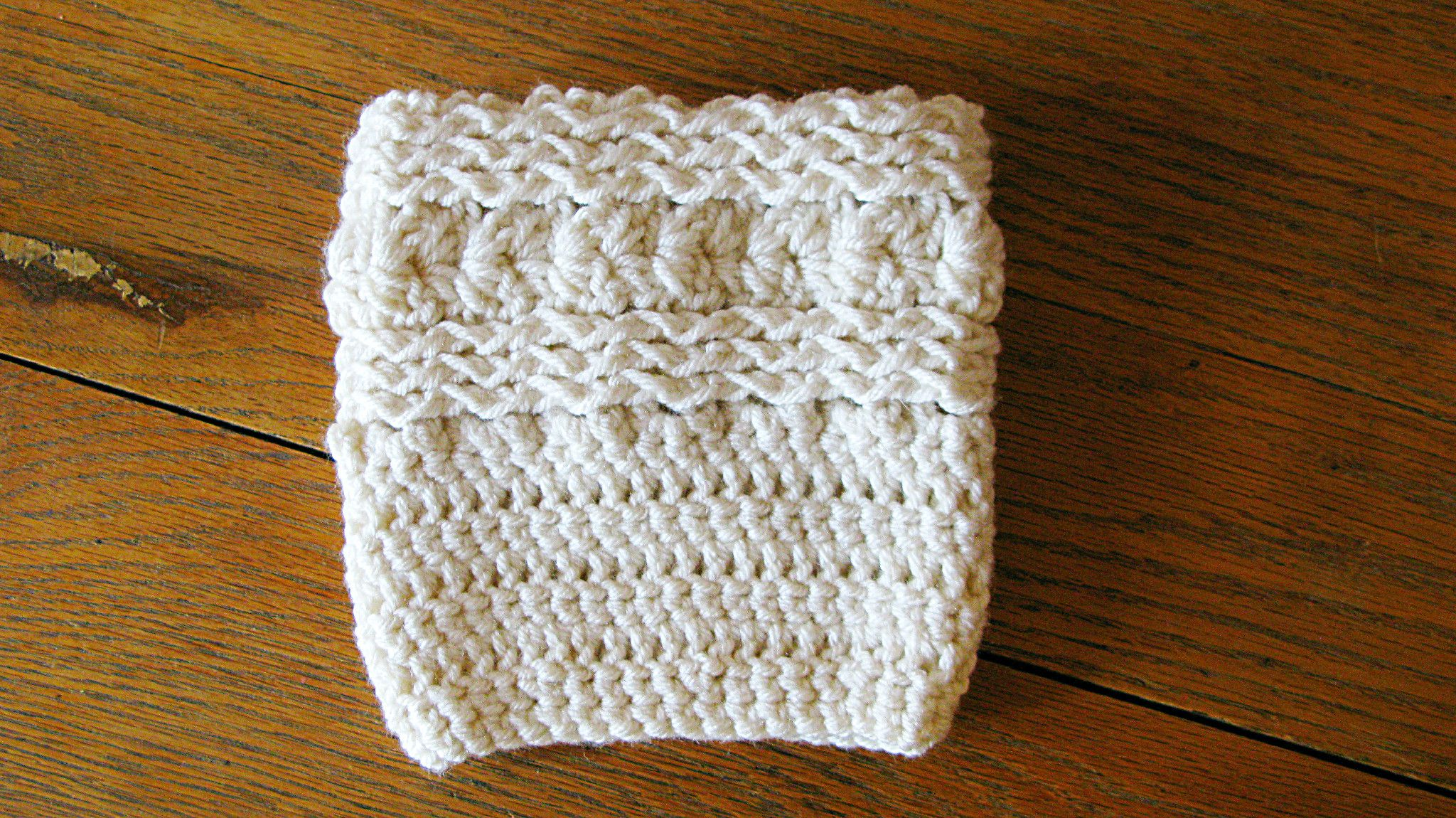 Free Waves and Seashells Boot Cuff Pattern | Botas, Guantes y Gorros