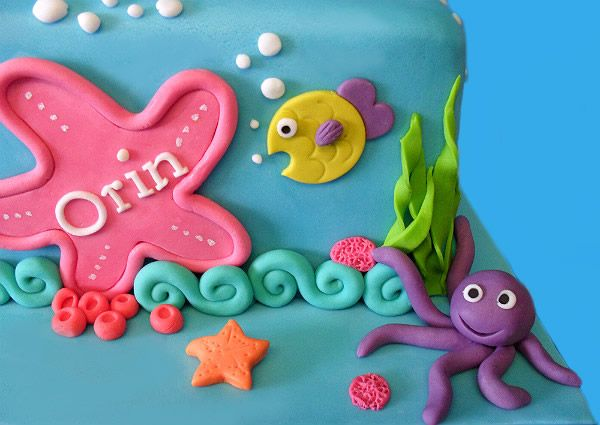 little mermaid cake- idea for the letters of the name on a starfish?