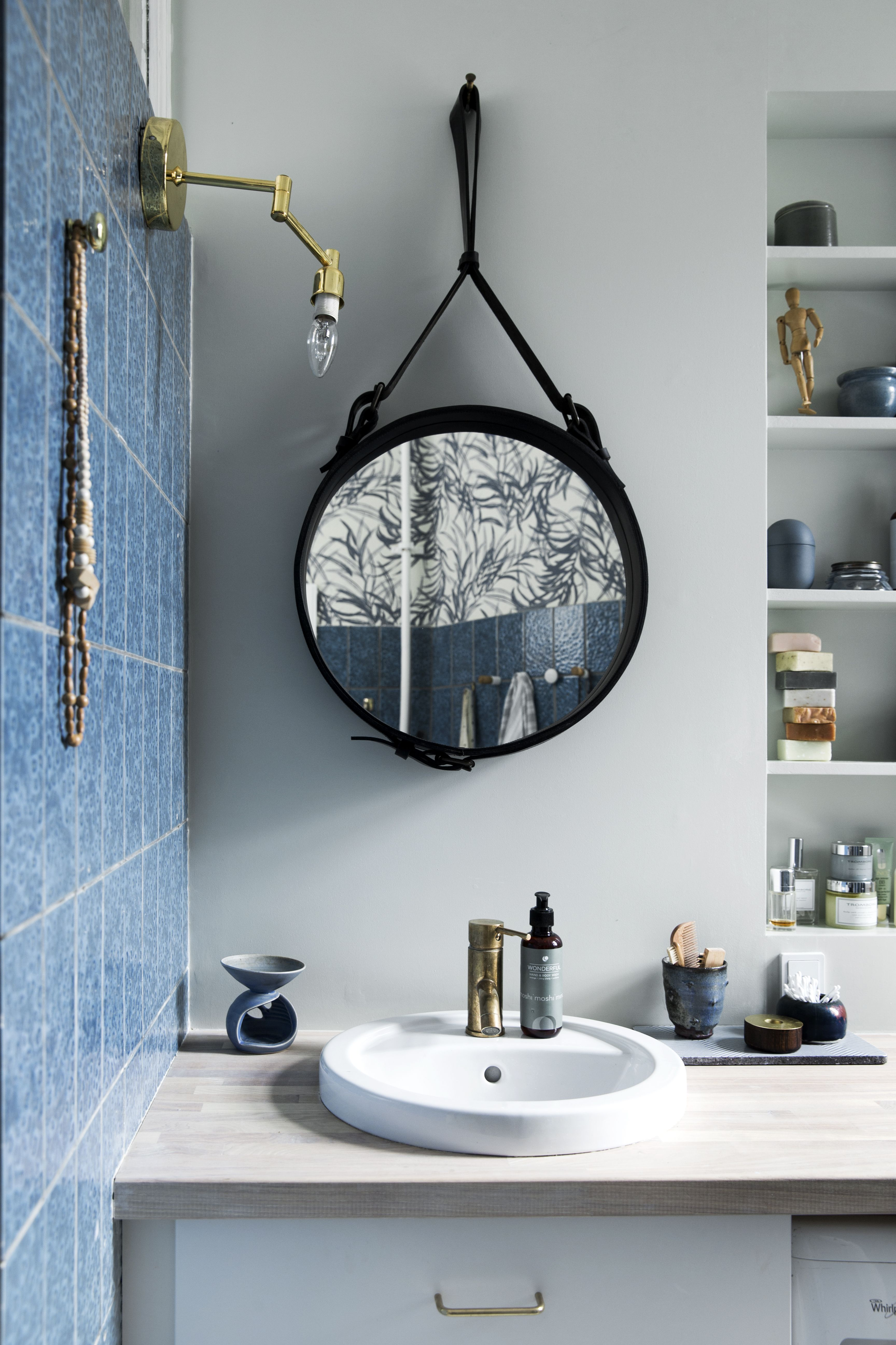 Awesome Retro Bathroom Mette Helena Rasmussen Stylist Photo: Tia Borgsmidt