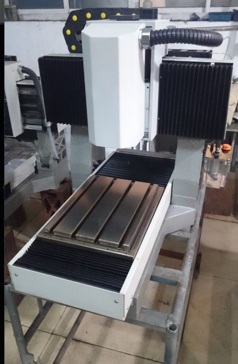 machine tool mini cnc milling machine cast iron frame for