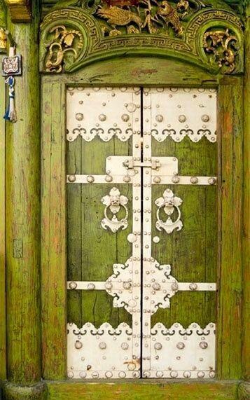 Beautiful green doorway.