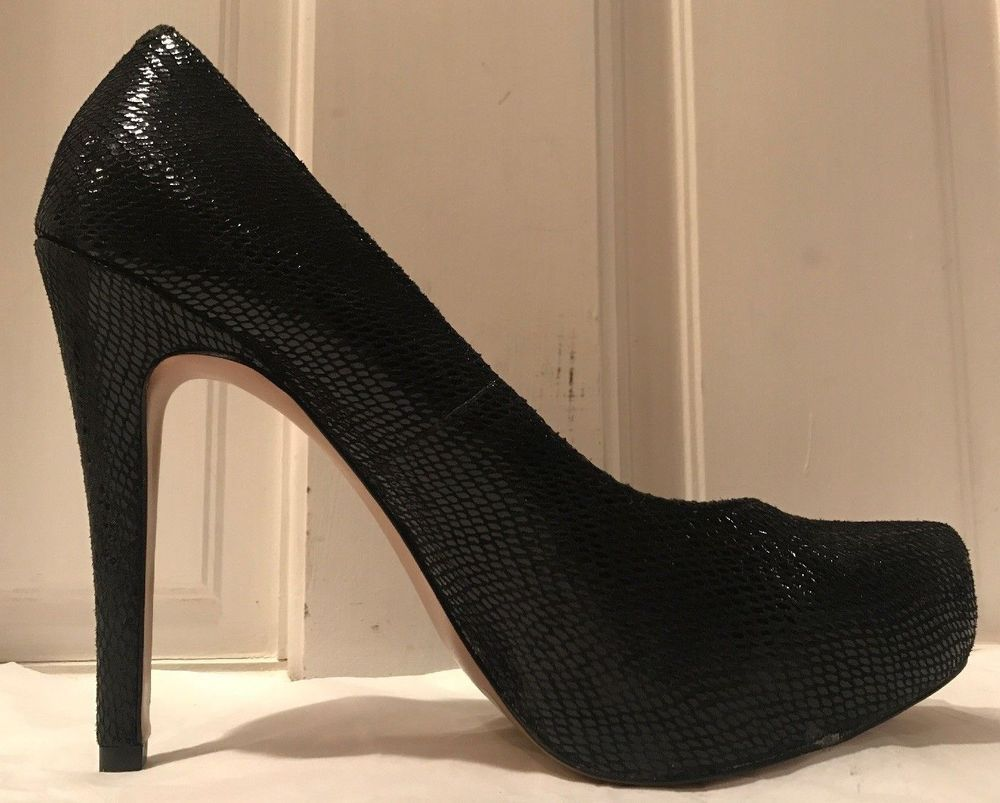 196388a1e55 BCBG Generation Parade Black Leather Snakeskin Embossed Womens Heel ...