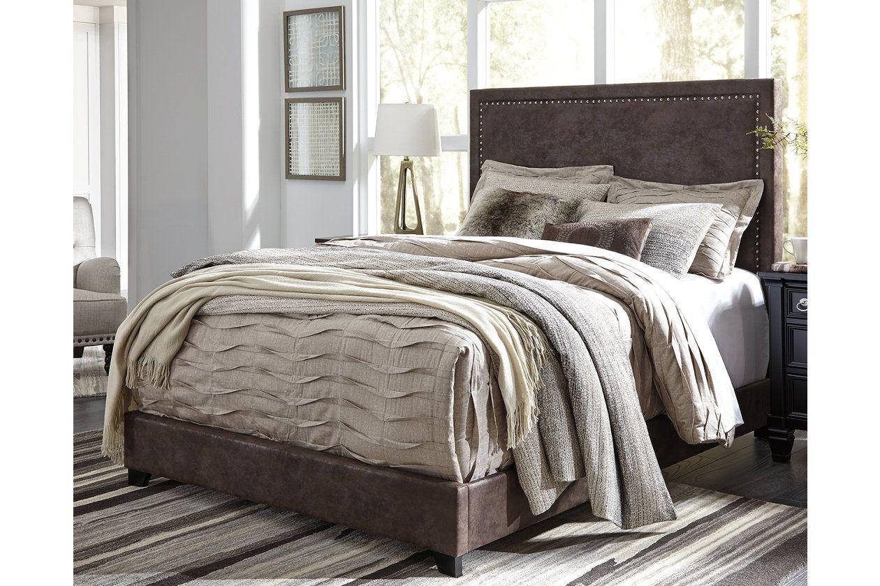 Dolante Queen Upholstered Bed Queen upholstered bed