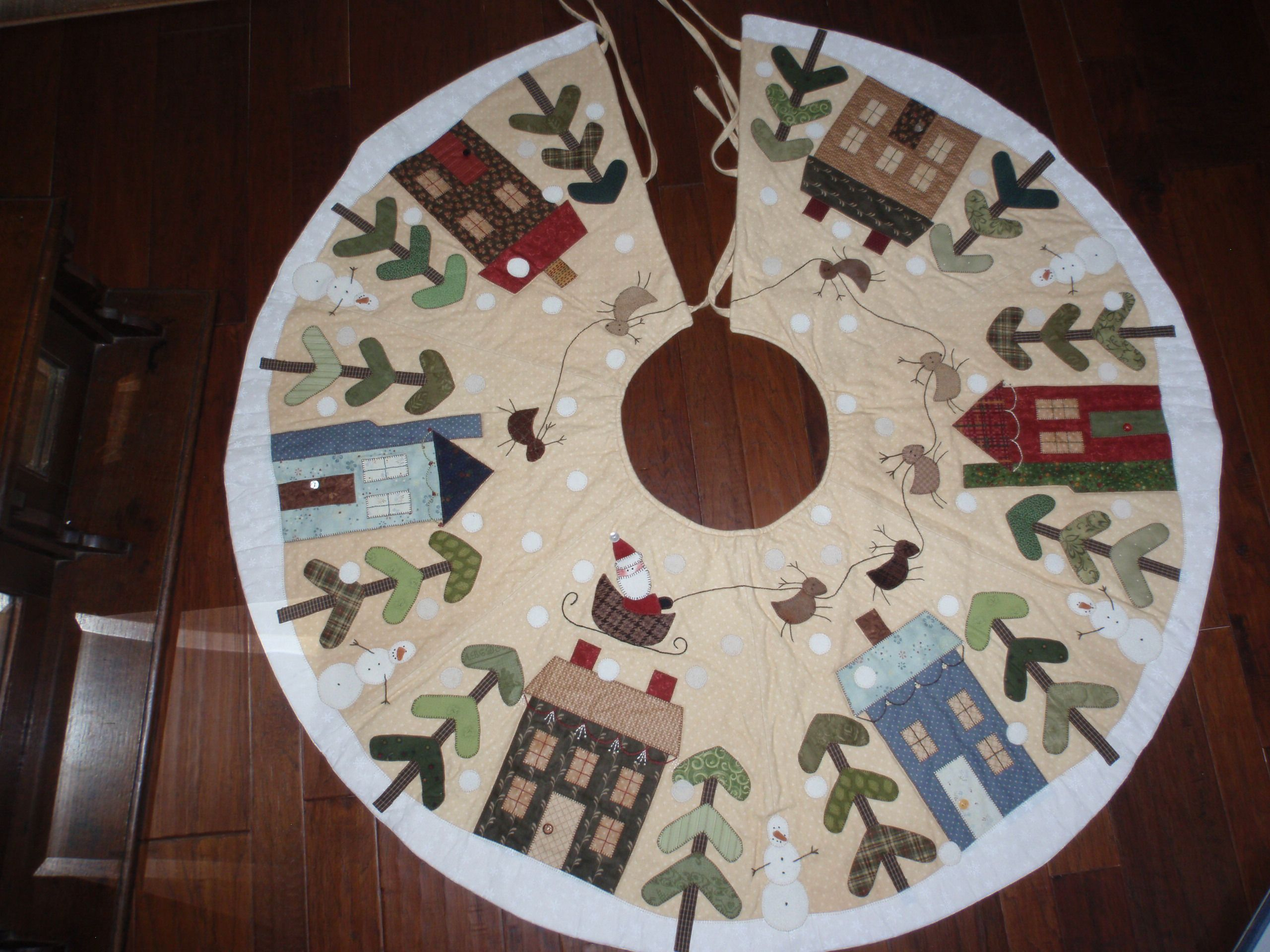 Quilted Christmas Tree Skirt Pinterest : Christmas Tree Skirt Quilting Pinterest