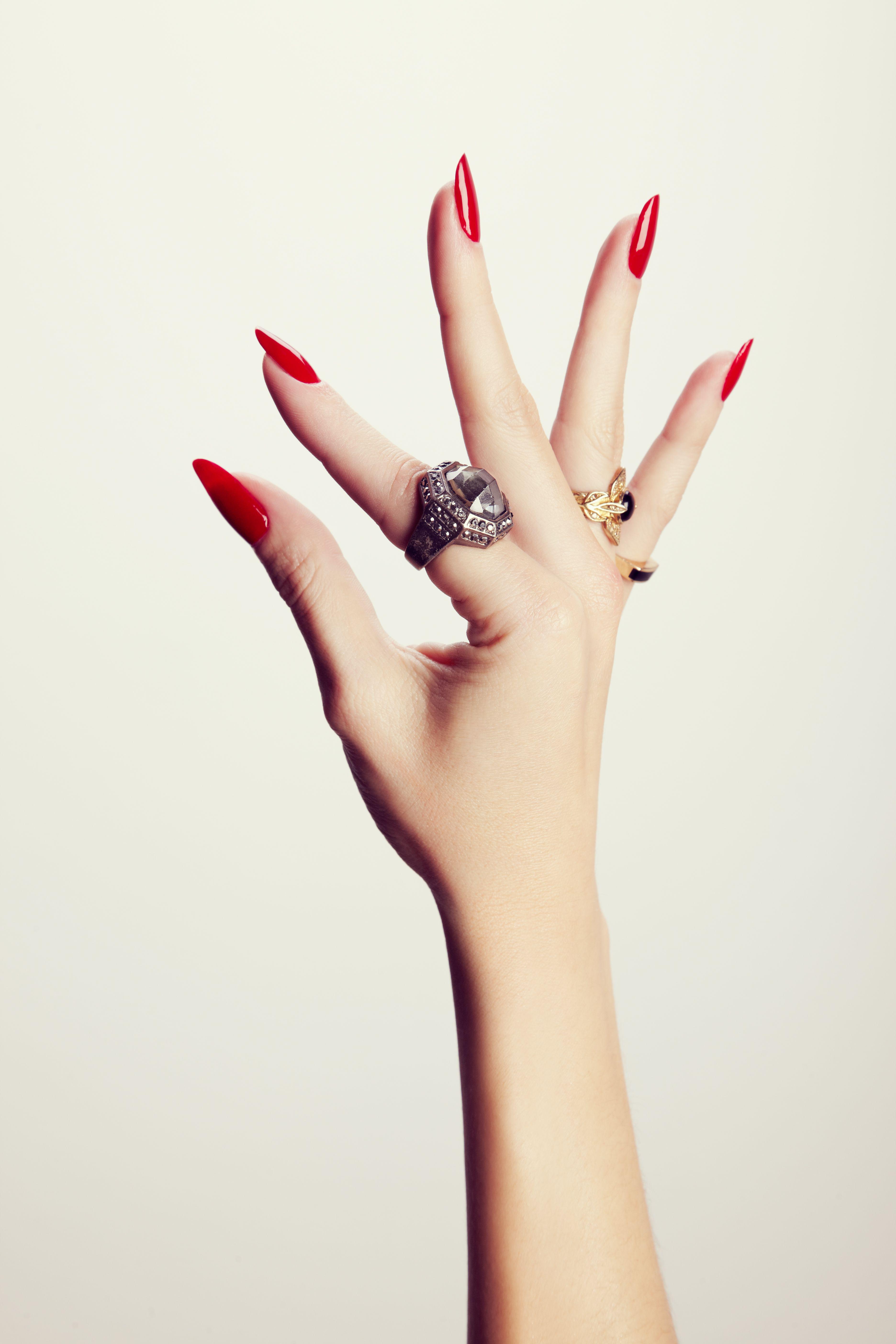 Hand Model Ashley Frey Natural Nails | Cushnie et Ochs Nail Art ...