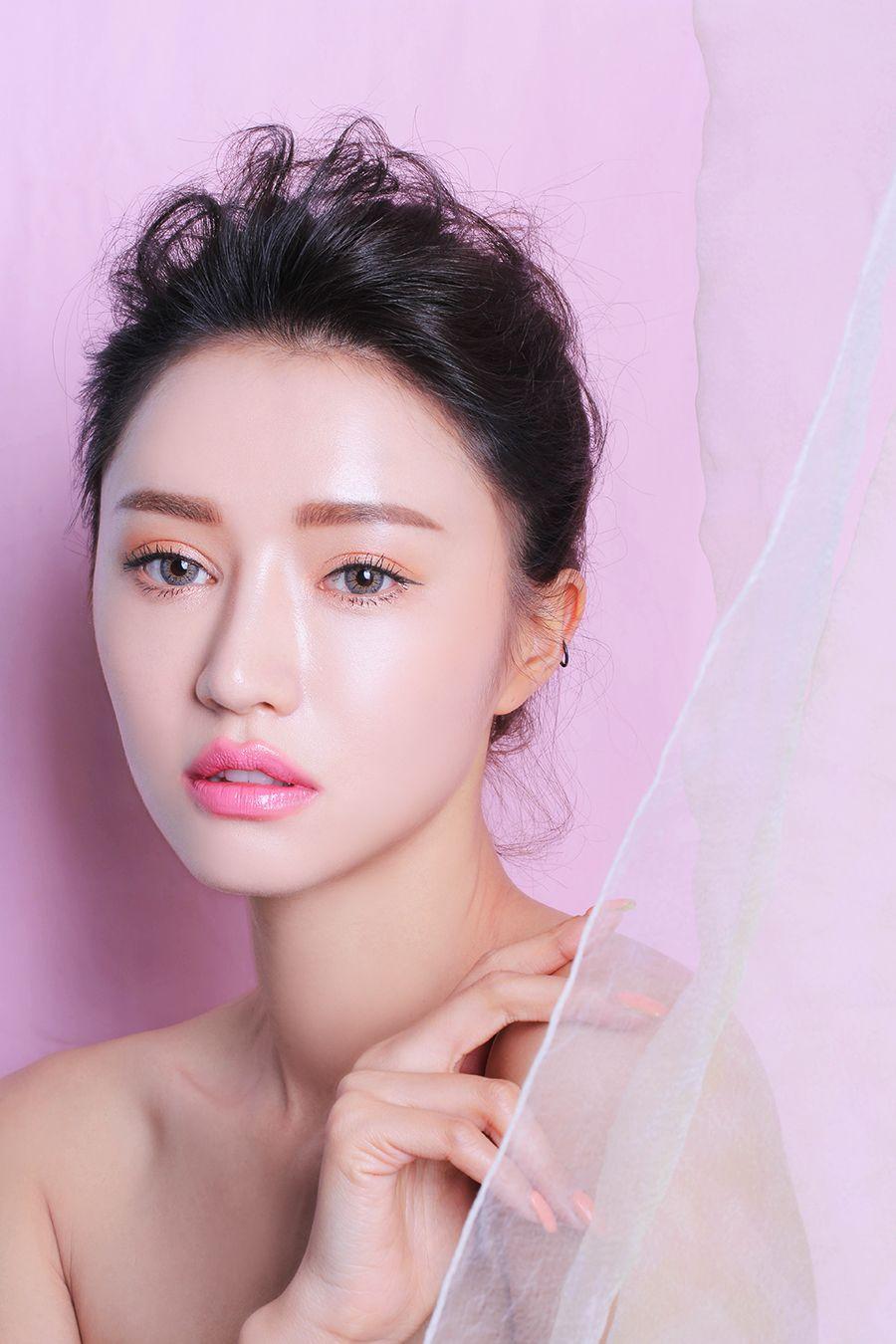Watch How to Do the Korean Jamsu Makeup Technique Korean