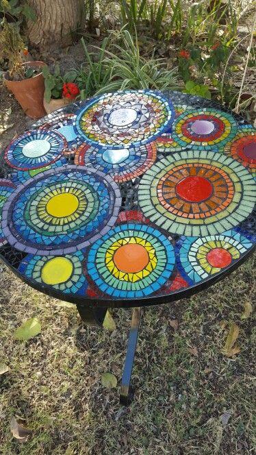 Mesa para jard n mosaicos y venecitas mis mosaicos for Mesa mosaico jardin