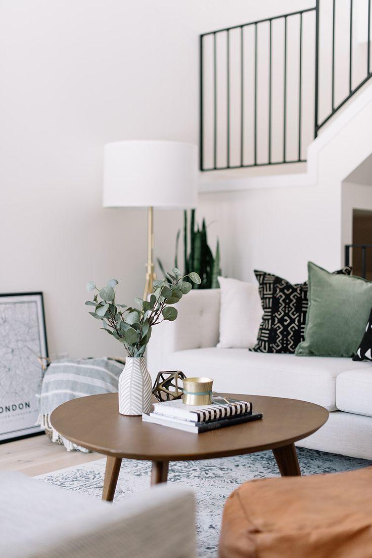 See This Designer's Inspiring Living Room Makeover  Minimalist Amusing Living Room Makeover Inspiration