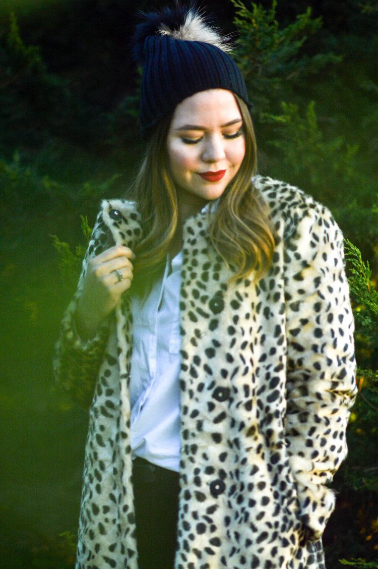 Leopard Coat and Pouf Beanie | The Joy of a Weekend Away with J.McLaughlin via. www.birdieshoots.com
