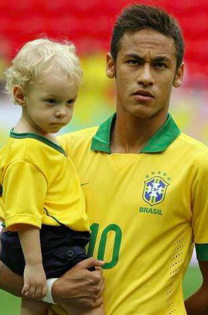 Neymar Jr and his son, before the friendly match vs ...  Neymar Jr and h...