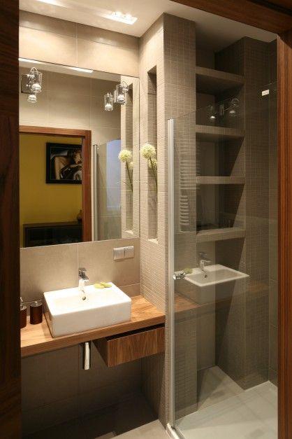Pki Oraz Wnki Cienne Wykoczone Mozaik Znajduj Si Zarwno W Strefie Prysznica Jak I Umywalki