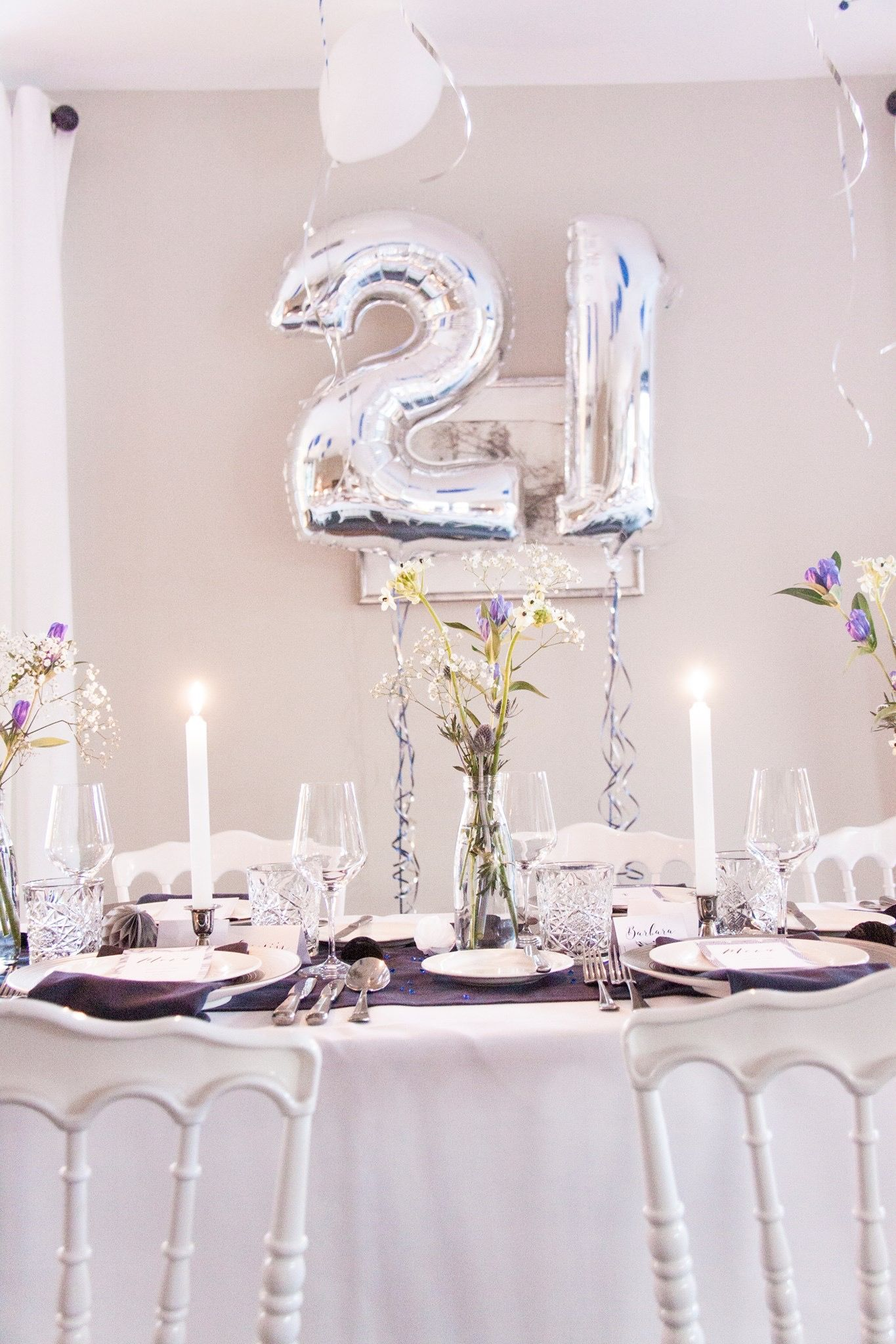 diner styling tabel setting table decorating by emily huberts dinner party also rh ar pinterest