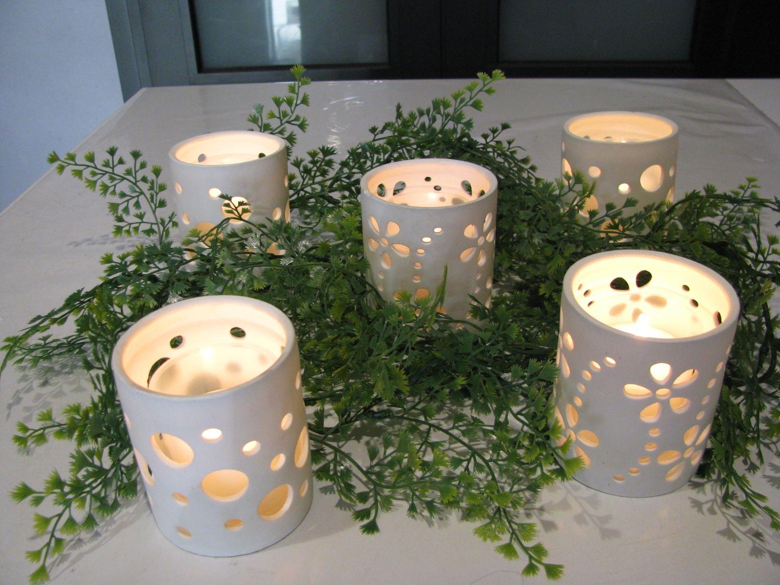 Farolillos de cer mica con una vela ideal para el jard n decoraci n con velas pinterest - Farolillos para velas ...