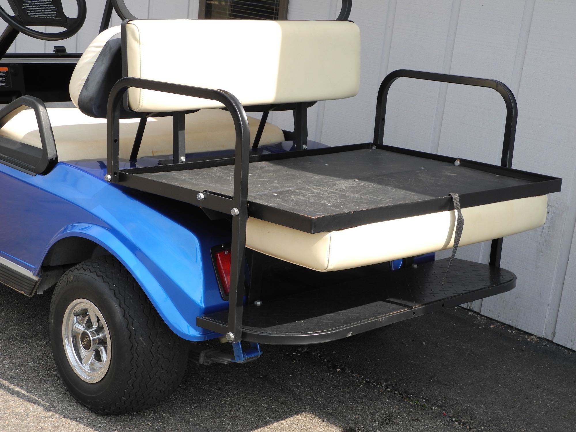 This 2003 Club Car Ds 48 Volt Electric Golf Car Is Perfectly Equipped For Campground Duty And More It Features A G Golf Car Club Car Golf Cart Used Golf Carts